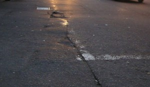 asphalt-longitudinal-cracking