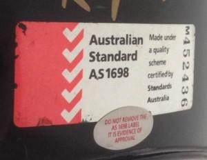 motorbike-helmet-standards-AS1698-label