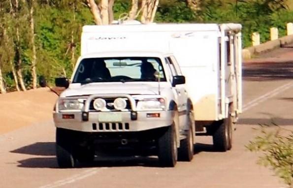 suv-pulling-camper-trailer