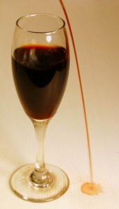 wine-glass-red-wine-spilling