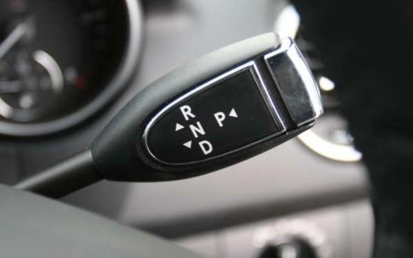 Mercedes-Benz ML320 CDI Edition 10 gearstick