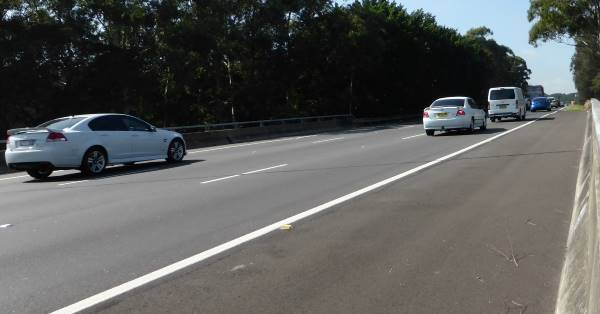 Sydney motorway showing emergency lane