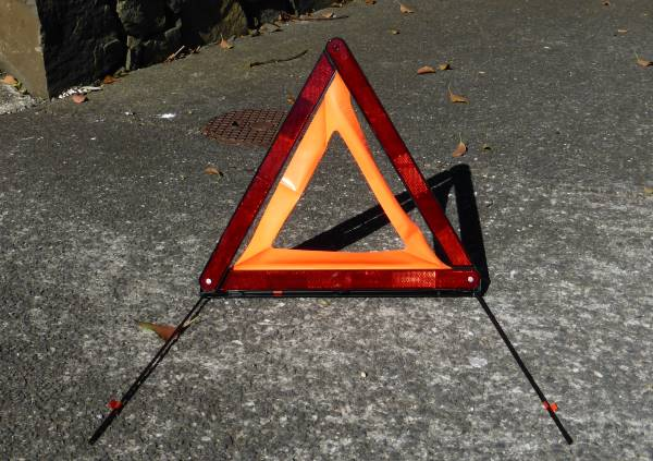 hazard warning triangle (reflective)