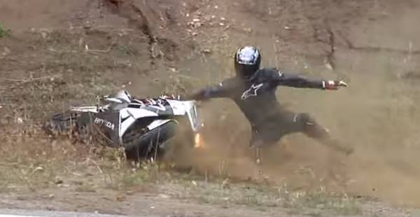 motorbike crash lowside 2