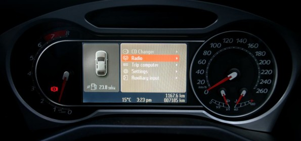 Ford Mondeo XR5 dials